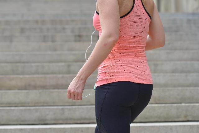産後気になる下半身の引き締めに踏み台昇降運動